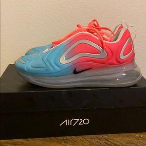 Nike Air Max 720 size 7.5